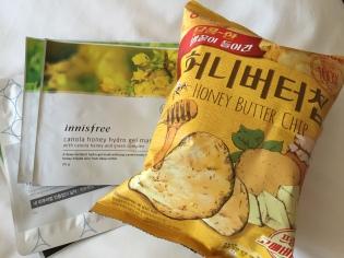 Gesichtsmasken und Honey Butter Chips zum Abschied.